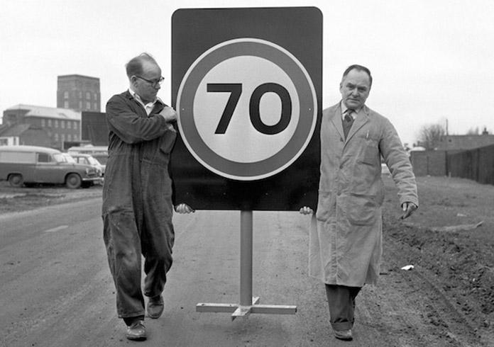 typographie-essai-lisibilite-signalisation-routiere-UK-calvert