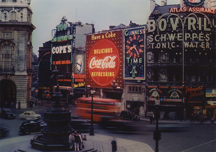 coca-cola_neon_sign_piccadilly_circus_1954