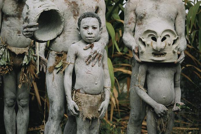 tribu-Asaro-Mudmen-Nouvelle-Guinee06