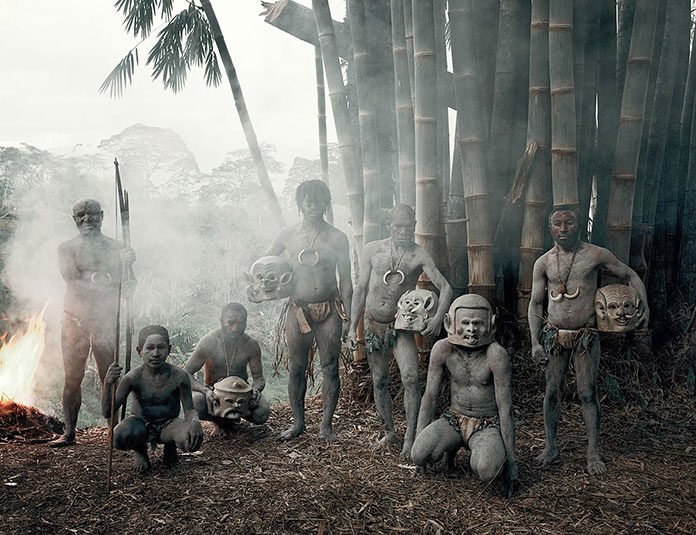tribu-Asaro-Mudmen-Nouvelle-Guinee09