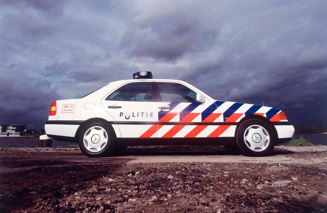 Gert-Dumbar-Studio-Dumbar-dutch-police-identity-index-grafik-01