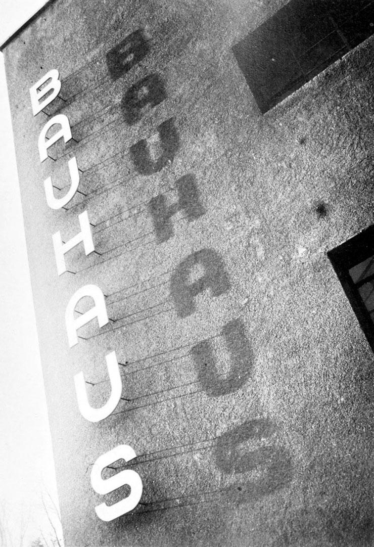 Herbert-Bayer-bauhaus-enseigne-typographie
