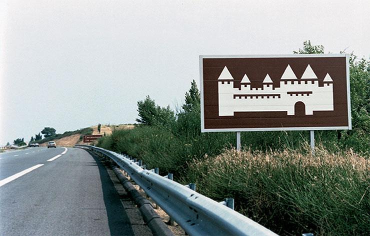 Jean-Widmer-pictogrammes-animations-touristiques-autoroutes-1972-78-bord-de-route-portrait-index-grafik