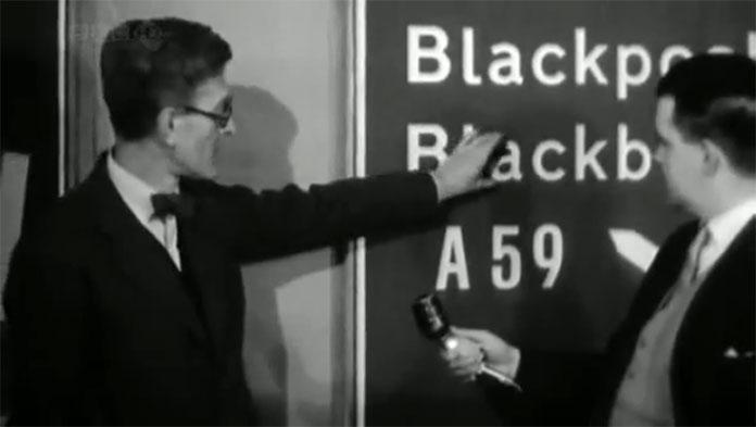 Jock-Kinneir-typographie-lisibilite-bas-de-casse-autoroute