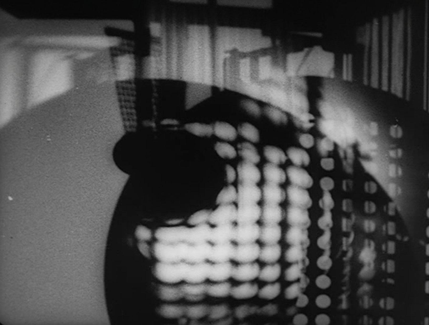 Laszlo Moholy Nagy – Jeu de lumière noir-blanc-gris, 1930