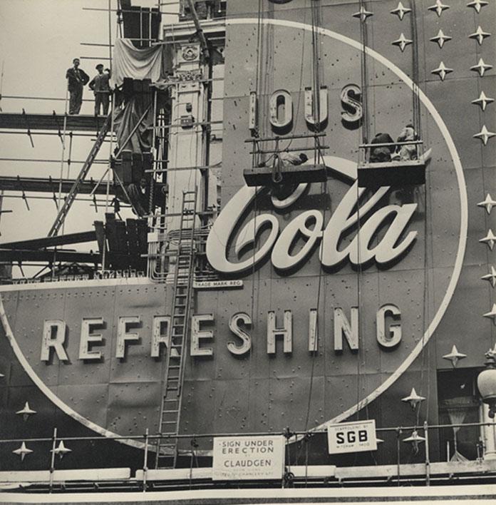 coca-cola-neon-sign-1954-04