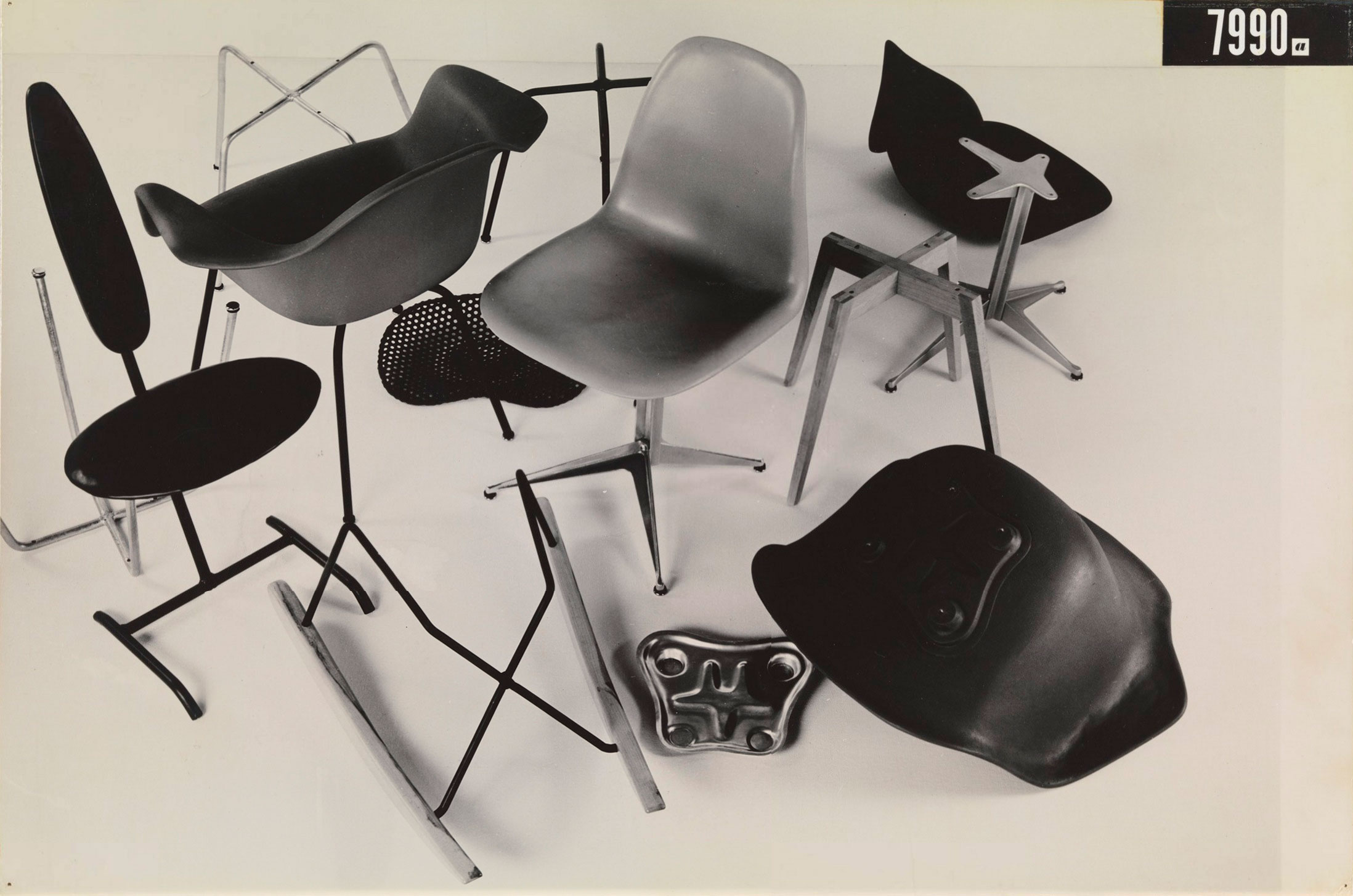 eames-MoMA International Competition for Low-Cost Furniture Design